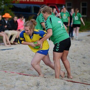 Afbeelding HVA wedstrijd beachhandbal